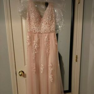 Dresses & Skirts - Pink Tulle Prom Dress, size 4